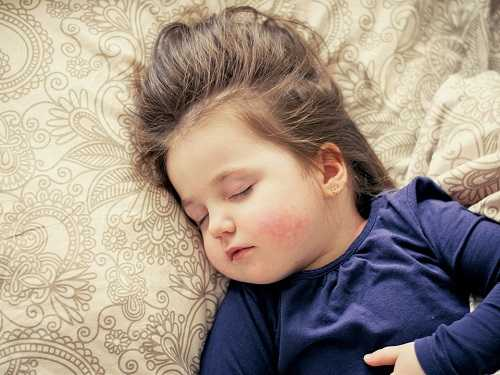 toddler co sleeping benefits