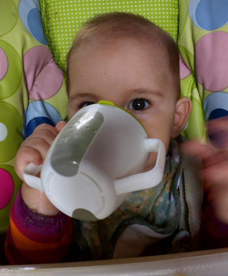 weaning baby from bottle to solids