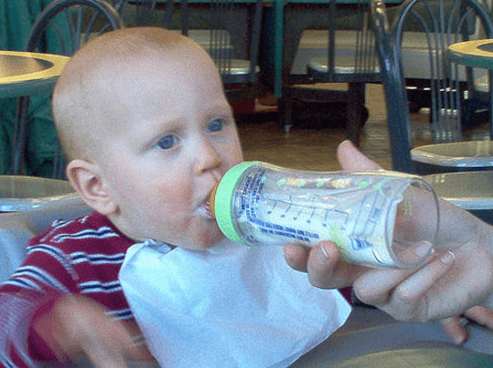 weaning baby onto bottle